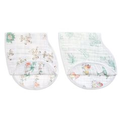 Shop the Disney The Lion King burpy bibs. Made with cotton muslin, our burpy bibs will keep your baby clean and comfy. Browse our other bibs today! Collection Disney, Classic Collection, Baby Boy Bibs, Stroller Cover, Le Roi Lion, Baby Burp Cloths, Toddler Gifts, Baby Disney, Bebe