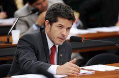 SINDIPOL/DF - Delegado Waldir: É preciso acabar com privilégios de oficiais e delegados