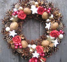 Adventní+věnec+na+dveře+9+Věnec+na+slámovém+základu+o+průměru+cca+29cm.+Velmi+trvanlivá+vánoční+dekorace.