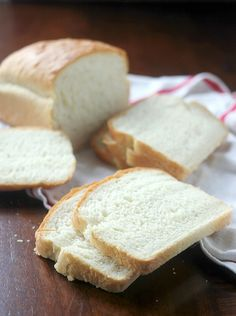 Country White Sandwich Bread Recipe -Baker Bettie
