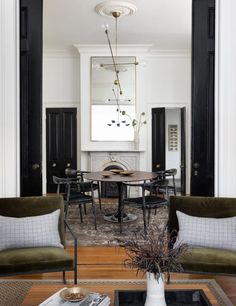 Living Room Modern, Home And Living, Living Spaces, Modern Scandinavian Interior, Contemporary Interior, Salons Cosy, American Interior, Style Noir, Flat Interior