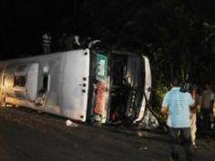 Vuelco de un autobús deja 13 muertos y 32 heridos en Bolivia