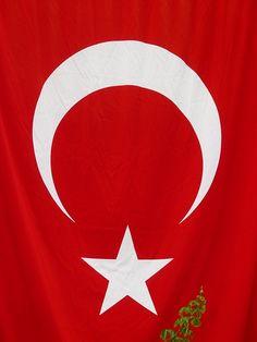 Reiseland Türkei: Was Urlauber jetzt beachten müssen - Der türkische Präsident Erdogan hat den Kurden den Friedensprozess aufgekündigt und lässt IS-Stellungen bombardieren. Ist die Türkei als Reiseland noch sicher? Ja, sagt das Auswärtige Amt, wenn man einige wichtige Hinweise beachtet. -- http://der-seniorenblog.de/seniorenreisen/reisenachrichten-reisenews/    Bildquelle:CC0