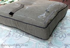 No Sew Project: How To Recover Your Outdoor Cushions Using Fabric And A  Glue Gun