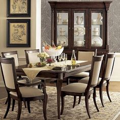 Furniture Diningroom Decor Ideas Where do I start decorating my living room? Luxury Dining Room, Dining Room Sets, Florida Home Decorating, Dining Room Furniture Design, Rectangular Living Rooms, Dining Room Table Centerpieces, Traditional Dining Rooms, Elegant Kitchens, My Living Room