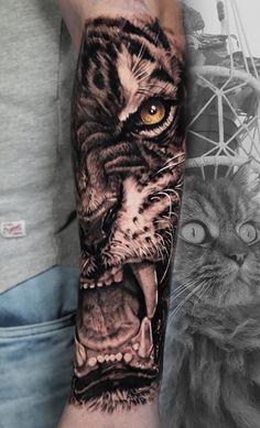 Tiger Hand Tattoo, Lion Leg Tattoo, Tiger Tattoo Sleeve, Lion Tattoo Sleeves, Best Sleeve Tattoos, Tattoo Sleeve Designs, Tiger Forearm Tattoo, Side Arm Tattoos, Cool Forearm Tattoos