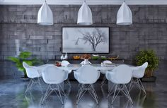 Modern Dining Room Designs Combined With Minimalist Decor and Perfect Arrangement In It Luxury Dining Room, Dining Room Design, Fine Dining, Dining Table, Bedroom Lighting, Minimalist Decor, Decoration, Lighting Design, House Design
