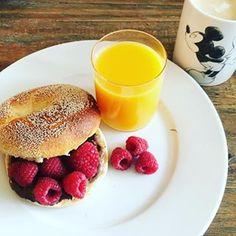 TheHallstand.com (@christinescharfetter) • Instagram-Fotos und -Videos Bagel, Photo And Video, Breakfast, Videos, Instagram, Food, Morning Coffee, Meals, Video Clip