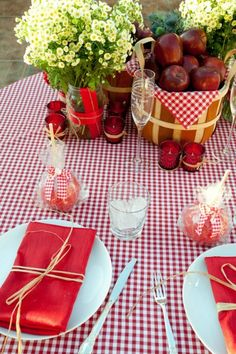 SUPER adorable centerpiece and setting idea! of course by David Tutera, Picnic Wedding, Outdoor Backyard Wedding, Casual BBQ Wedding, Picnic Wedding Place Settings Soirée Bbq, I Do Bbq, Summer Barbeque, Bbq Party, Deck Party, Party Deco, Wedding Place Settings, Summer Picnic, Fall Picnic
