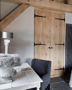 #bedroom #workplace #countrystyle #interiorinspo #countryliving #interior #stijlvolwonen #landelijkwonen #landelijkestijl #industrieelwonen #soberwonen #interieurdesign #interieuradvies #wonenlandelijkestijl #interieur #interieurinspiratie #oak