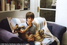 Daniel Radcliffe on Who Do You Think You Are: when it's on BBC One, and what the Harry Potter actor finds out Harry James Potter, Harry Potter Pictures, Harry Potter Characters, Rare Pictures, Rare Photos, Draco Malfoy, Daniel Radcliffe Harry Potter, Daniel Radcliffe Young, Childhood Photos