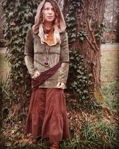 Sage green bamboo velour with ruffled collar and a sling pocket, perfect for forest findings.  Sacred Corn Mother, come to me. Make my life sacred, fill me with beauty. Fill me with beauty, fill me with beauty. Fill me with beauty, so I may bring others beauty.  #adornyoursoul #forestfashion #sacredstylist #sacredsong #myathensfashion #ecofashion #knowwhomadeyourclothes