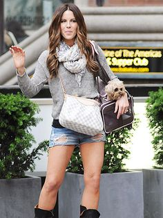Kate Beckinsale's cutoffs and casual layers (love the Louis Vuitton Siracusa PM Damier Azur too).