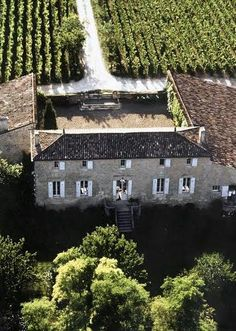 France wines: The best wine destinations in Bordeaux: Chateau Tertre Roteboeuf Visit France, South Of France, Sauvignon Blanc, Cabernet Sauvignon, Bordeux France, Wine Hotel, Places To Travel, Places To See, Places Around The World