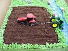 Birthdaycake boy tractor, oreo cookies for the ground                                                                                                                                                      More
