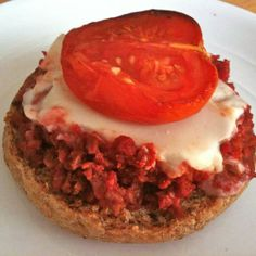 Vegan Pizza Burger | Made Just Right by Earth Balance #vegan #earthbalance #recipe