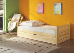 Meblobed Lit junior Ola personnalisable avec grand coffre - Pin - 80 cm x 180 cm Bed Frame With Drawers, Web Colors, Lit Simple, Kid Beds, Olay, Toddler Bed, Modern, Nursery, The Originals