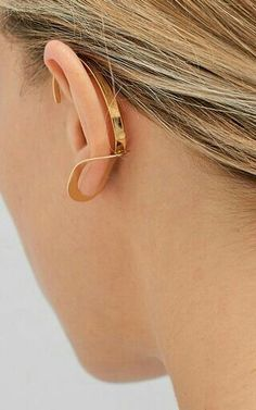 Single Yellow Vermeil Philo Earring by Charlotte Chesnais Lux Fashion, Fashion Jewelry, Jewelry Accessories, Jewelry Design, Fashion Accessories, Multiple Earrings, Golden Earrings, Body Adornment, Simple Earrings