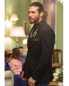 """Actor of Albanian origin and of great fame in Turkey, Can Yaman has won the """"Man of the Year award, at the event held by """"GQ Magazine"""" During speech after the victory, cameras filmed his late Demet Ozdemir got this award, but half deserves it Turkish Men, Turkish Actors, Gorgeous Men, Beautiful People, Pretty Men, Istanbul, Beard Lover, Stylish Boys, Bearded Men"""