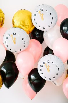 DIY Clock Balloons for New Year's Eve