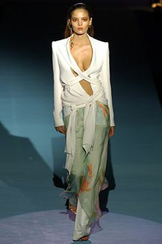 Emanuel Ungaro Spring 2004 Ready-to-Wear Collection