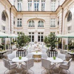 HOTEL – PARIS, FRANCE – 0089