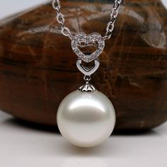 white South Sea pearl pendant with small diamonds in white gold South Sea Pearls, Pearl Pendant, Jewelry Design, White Gold, Pearl Earrings, Bling, Jewels, Diamonds, Jewelery