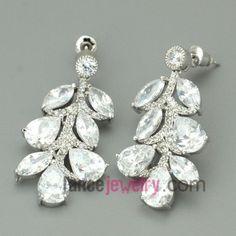 Fashion white color pendant chandelier earrings