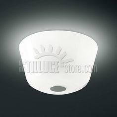 Leucos Ayers lampada da soffitto in vetro soffiato lucido bianco e struttura in metallo verniciato bianco.