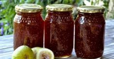 Fig Jam 5 pounds chopped fresh figs 6 cups of sugar cup of water cup of lemon juice To prepare chopped figs: Cover figs with boiling water. Let stand 10 minutes. Dried Figs, Fresh Figs, Home Remedies, Natural Remedies, Fig Jam, Lower Cholesterol, Jam Recipes, Asthma, Natural Medicine