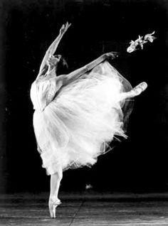Alessandra Ferri as Giselle. My favorite ballerina and my favorite ballet.