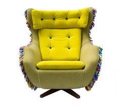 Der Vintage Lehnstuhl, Bahia Sessel Genannt, Ist Von Geschaffen.Er Ist Mit  Gelbem Kordsamt Und Baumwolle Neu Bezogen. Cooles Bahia Sessel Design