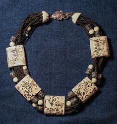 Arcilla de la joyería collar, collar negro, white collar, collar babero celta, collar de elfos, declaración collar, collar de fantasía de polímero