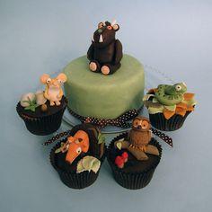 cupcakes Oh Yum! Alice in wonderland cupcakes Beautiful Cupcakes, Baking Cupcakes, Yummy Cupcakes, Cupcake Recipes, Cupcake Bakery, Cupcake Cookies, Animal Cupcakes, Cupcakes Bonitos, Alice In Wonderland Cupcakes