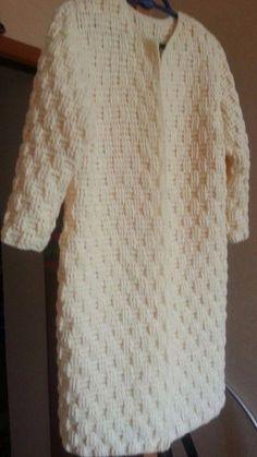 26 New Ideas Crochet Sweater Jacket Pattern Winter - Diy Crafts - hadido Crochet Coat, Crochet Cardigan Pattern, Crochet Jacket, Crochet Clothes, Crochet Summer Hats, Crochet Winter, Coat Patterns, Clothing Patterns, Crochet Pillow Patterns Free