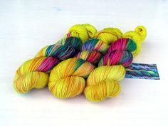 """SunshineReggae"" Sockenwolle handgefärbt von PondeRosa-Wolle auf DaWanda.com"