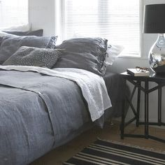 Heerlijk slapen onder dit heerlijke dekbed. Prachtig die grijstinten!