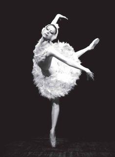 Майя Плисецкая умерла на 89-м году жизни: вспоминаем лучшие партии ...