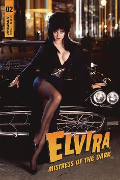 Elvira, Mistress of the Dark Cassandra Peterson Give Me a very Long on your Little Ass Cassandra Peterson, Elvira Costume, Elvira Movies, Superhero Cosplay, Horror House, Actrices Hollywood, Sexy Older Women, Dark Beauty, Looks Style