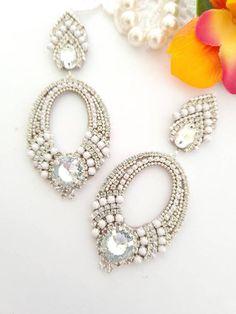 Prom Earrings, Bridesmaid Earrings, Rhinestone Earrings, Wedding Earrings, Boho Earrings, Chandelier Earrings, Bridesmaid Gifts, Statement Earrings, Handmade Jewellery