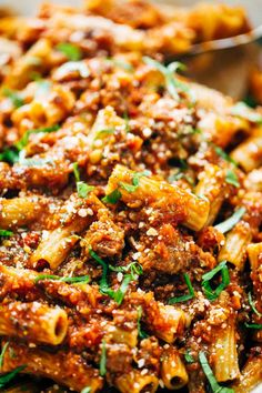 Spicy Sausage Rigatoni - This recipe is super easy and wholesome, and my whole family LOVED it! 320 calories, real food.