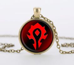 1 PC de vidro Vermelho pingente colares WoW World of Warcraft Hearthstone Rodada Charme Pingente Colar Cadeia homens Jóias mulheres presente World Of Warcraft, Deep Cleaning Face Mask, Wow Horde, Magic Hair Curlers, Necklace Chain Lengths, Leather Card Wallet, Chains For Men, Round Pendant, Glass Pendants