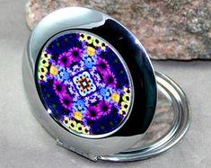 Mandala compact mirror   Etsy Flower Mandala, Compact Mirror, Handmade, Etsy, Hand Made, Handarbeit