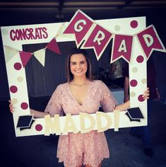21 of Our Favorite Graduation Party Ideas This Year 21 unserer Lieblings-Abschlussfeier-Ideen in die Graduation Party Planning, College Graduation Parties, Graduation Celebration, Graduation Party Decor, Grad Parties, Graduation Ideas, Graduation Gifts, Graduation Frames, Graduation Quotes