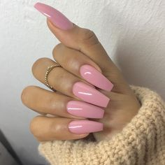 In search for some nail designs and ideas for your nails? Here's our list of 32 must-try coffin acrylic nails for fashionable women. Perfect Nails, Gorgeous Nails, Love Nails, Fun Nails, Pretty Nails, Ongles Roses Clairs, Faux Ongles Gel, Soft Pink Nails, Baby Pink Nails Acrylic