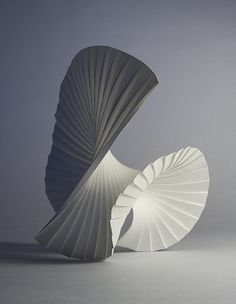 Richard Sweeney, Motion Pleat The way that the folds of the paper have then been folded again give off the impression of movement within the sculpture. Abstract Sculpture, Sculpture Art, Paper Sculptures, Freedom Sculpture, Architecture Origami, Landscape Architecture Model, Arte Linear, Affordable Art Fair, 3d Studio