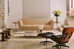 En décorant avec Eames Chaise longue et pouf