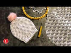 LOOM KNITTING Hat The Chinese Waves Stitch On a Round / Circular loom - YouTube Round Loom Knitting, Loom Knitting Stitches, Loom Knitting Projects, Knifty Knitter, Knitting Videos, Loom Hats, Loom Knit Hat, Knitted Hats, Easy Yarn Crafts