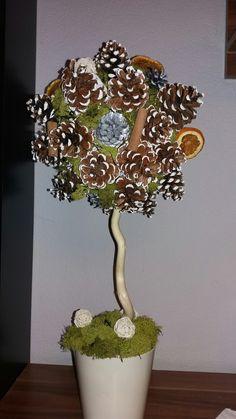 Drzewko z szyszek