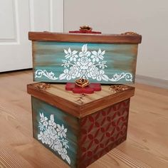 Patina Paint, Decoupage Box, Wood Projects, Projects To Try, Vintage Wood, Wooden Boxes, Painting On Wood, Wood Art, Stencils